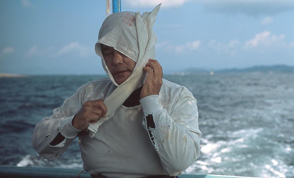 A colocação do lenço branco é o primeiro passo