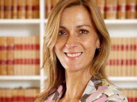 Ana Paula Lopes, Abreu Advogados