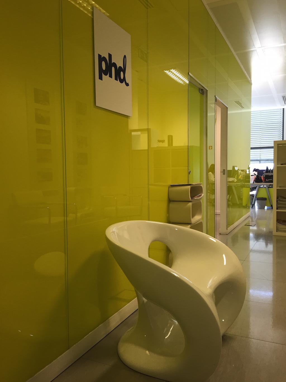 A cor e as formas animam os escritórios da PHD.